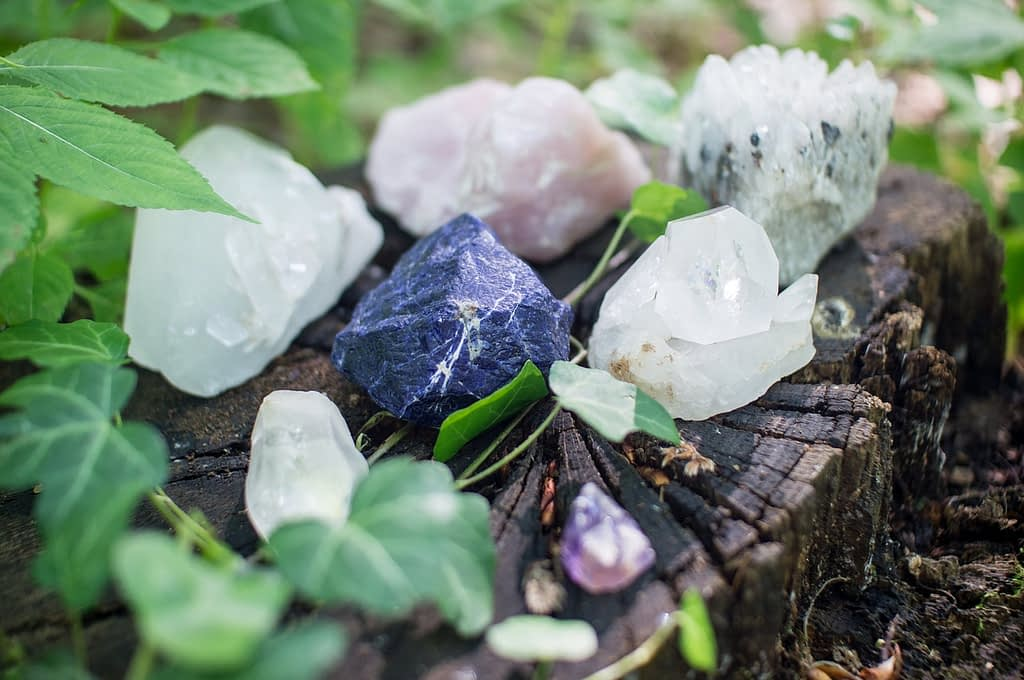 crystals-all-you-want-to-know-men-of-letters
